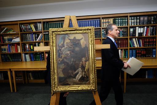 Une toile du 18e siècle du peintre Giambattista Tiepolo est restituée aux autorités italiennes le 24 février 2015 à New York © Jewel Samad AFP
