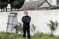 Michel Onfray à Chambois, dans l'Orne, où il vit. Loin de