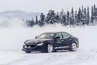 Dernière née de la marque au trident, la Maserati Ghibli Q4 se montre étonnamment efficace sur la glace grâce à sa transmission intégrale.