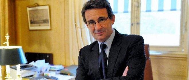 Jean-Christophe Fromantin propose que chaque Français puisse se trouver à 20 minutes d'une ville moyenne offrant tous les services auxquels il a droit.
