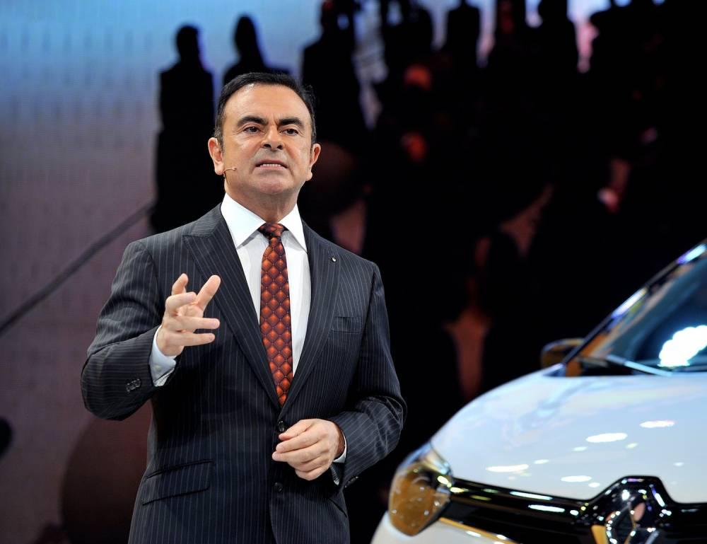 Les illusions de Carlos Ghosn s'envolent sur l'électrique ©  Maxppp
