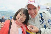 Yukari, fan japonaise de Julien Ingrassia, le copilote d'Ogier, lui a créé une page Facebook dédiée, en anglais et en japonais.