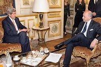 Le secrétaire d'État américain John Kerry reçu à Paris par Laurent Fabius le 7 mars pour discuter du nucléaire iranien. ©EVAN VUCCI
