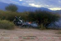 La carcasse de l'un des hélicoptères qui transportaient l'équipe du tournage de l'émission de télé-réalité