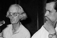 Auguste Piccard (au centre) et Jacques Piccard (à droite) sont respectivement le grand-père et le père de Bertrand Piccard. ©AFP