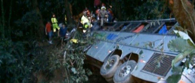 Un bus est tombé dans un ravin au Brésil.