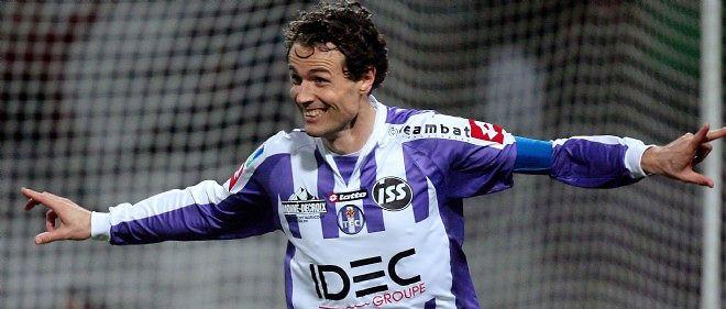 Dominique Arribagé (ici en janvier 2008 contre Nice) a été l'un des joueurs les plus fidèles au TFC ces dernières années.