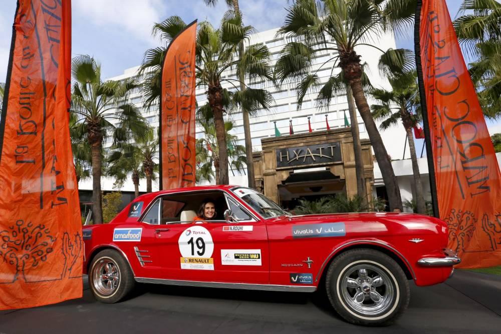 Une Mustang sur la ligne de départ de Casablanca ©  Cyril De Plater