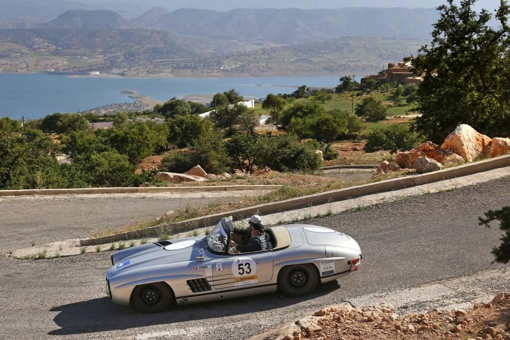 Quelle récompense pour ce roadster Mercedes SL de rouler come au prmeier jour ©  Cyril de Plater