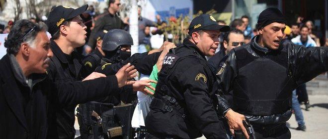 Une attaque terroriste s'est déroulée mercredi au musée du Bardo qui jouxte le Parlement.