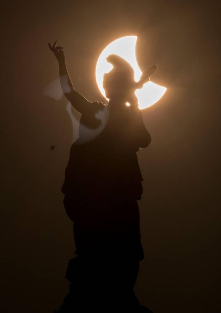 L'éclipse vue de Vienne en Autriche © JOE KLAMAR / AFP