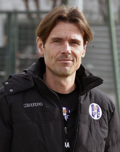 L'entraîneur de Toulouse Dominique Arribagé lors d'une séance d'entraînement avec son équipe, le 19 mars 2015 à Toulouse. © Pascal Pavani AFP