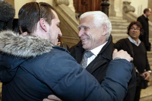 L'ex maire de Vence Christian Iaocono (d) et son petit-fils Gabriel Iacono le 25 mars 2015 à Lyon © Philippe Merle AFP