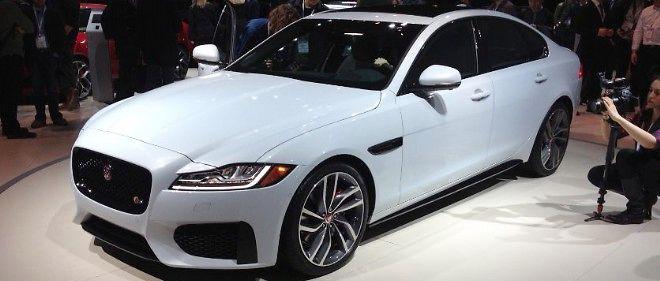 Si cette nouvelle XF ressemble beaucoup au modèle précédent sur le plan esthétique, elle est pourtant 100 % nouvelle, puisque basée sur la nouvelle plateforme modulaire construite majoritairement en aluminium de Jaguar.