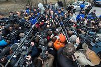 Le procureur de Marseille face aux journalistes. L'accident a suscité une immense émotion et une curiosité jugée malsaine. ©Peter Kneffel