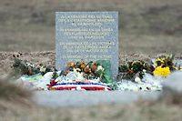 La stèle d'hommage aux victimes du crash. Le vol comptait 144 passagers et 6 membres d'équipage. Aucun n'a survécu. ©Daniel Naupold/AFP