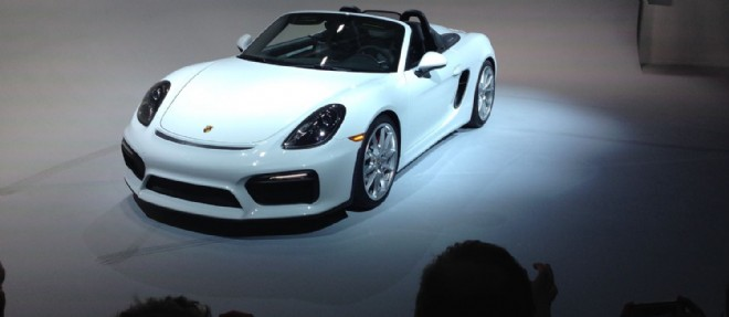 Présenté en marge du salon de New York, le Boxster Spyder perpétue la tradition Porsche des roadsters ultra-performants et minimalistes.