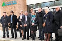 Le maire d'Hénin-Beaumont Steeve Briois entouré des conseillers élus dans le Pas-de-Calais. ©DENIS CHARLET