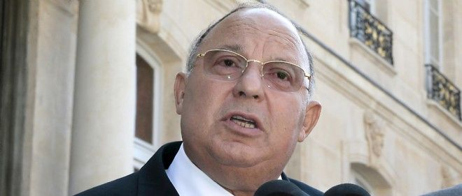 Dalil Boubakeur lors d'un discours devant l'Élysée après une rencontre avec le président de la République, le 17 juillet 2013 à Paris