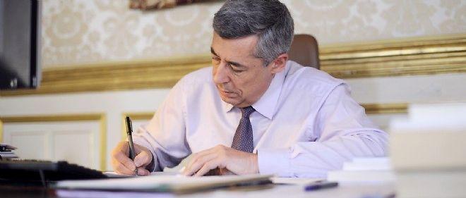 Henri Guaino a préfacé ce recueil de textes de Charles de Gaulle, un homme d'État parfait selon lui.