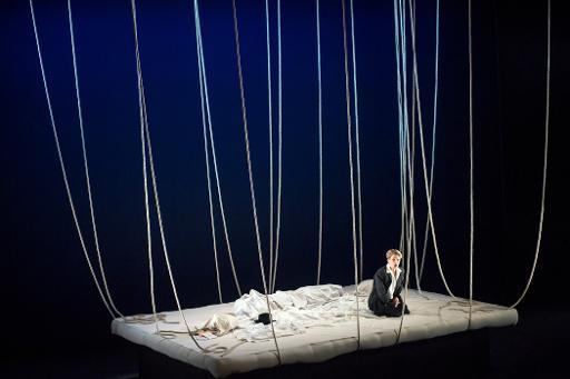 """La soprano Anne-Sophie Duprels pendant une répétition de """"La Voix humnaine"""", de Francis Poulenc, le 8 avril 2015 à l'Opéra de Tours © GUILLAUME SOUVANT AFP"""