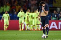 La déception de Cavani après l'un des trois buts du Barça (1-3).