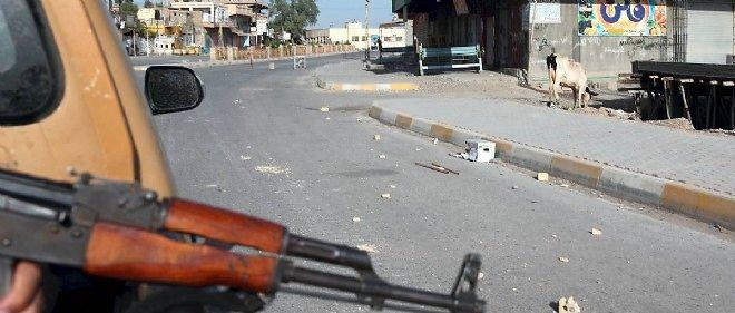 Les djihadistes cachés au milieu des réservoirs risquent d'y mettre le feu en cas d'assaut des forces de sécurité présentes sur place. Photo d'illustration.