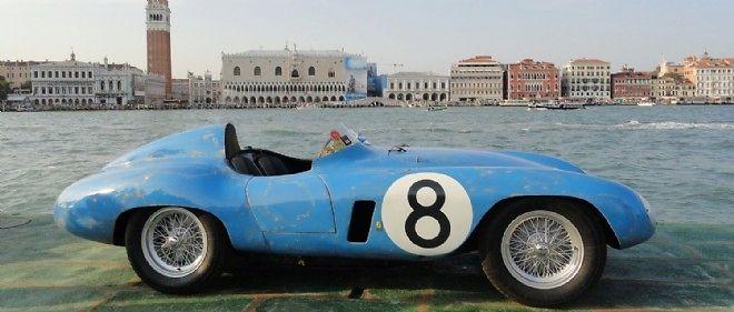Très rare, cette Ferrari 500 Mondial de 1955 a pu retrouver sa couleur bleue d'origine à l'occasion d'une restauration méticuleuse.