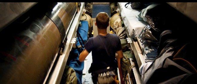 """À l'intérieur du sous-marin nucléaire français """"Casabianca""""."""