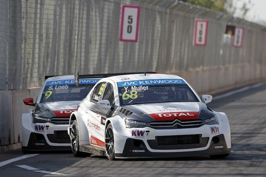 La bataille entre Sébastien Loeb et Yvan Muller. ©  WTCC