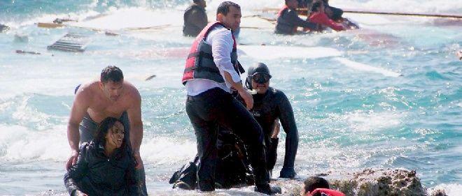 Le 20 avril, des migrants naufragés accostent sur l'île de Rhodes.
