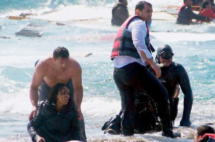 Le 20 avril, des migrants naufragés accostent sur l'île de Rhodes. ©  Argiris Mantikos / AP/Sipa