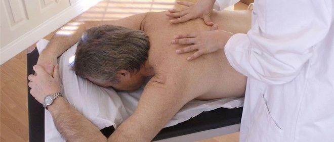 Certains salons de massage abritent des activités de prostitution.