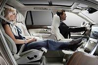 La suppression du siège avant passager permet d'améliorer le champ de vision et le confort des clients disposant d'un chauffeur.