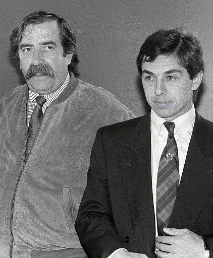 Claude Bez, alors prédisent des Girondins de Bordeaux, et Alain Giresse, en 1989 à Bordeaux © Patrick Bernard AFP/Archives