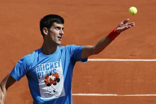 Novak Djokovic, lors d'une séance d'entraînement avant le début du tournoi de Roland-Garros, le 22 mai 2015 à Paris © Patrick Kovarik AFP