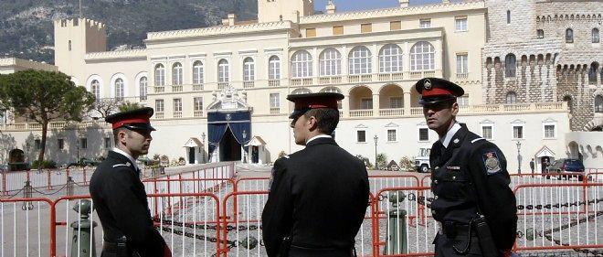 La police monégasque a une solide réputation et excelle pour assurer l'ordre public.