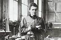 Marie Curie dans son laboratoire, ici en1896. Elle fut l'une des permières femmes à entrer au Panthéon. ©The Art Archive / Culver Pictures