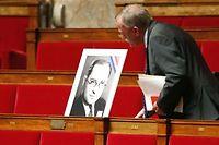 Une photo de Jean Zay a été installée sur le siège qu'il avait occupé comme député radical ç l'Assemblée nationale. ©FRANCOIS GUILLOT / AFP