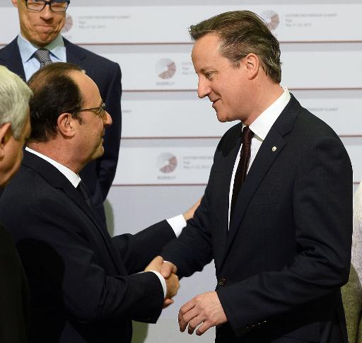 François Hollande et David Cameron le 22 mai 2015 à Riga © JANEK SKARZYNSKI AFP/Archives