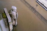 Le zouave du pont de l'Alma gardien du niveau de la Seine. ©JOEL SAGET