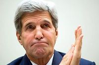 Déjà porteur d'une prothèse de la hanche, John Kerry a préféré rentrer aux Etats-Unis pour faire soigner sa récente fracture du fémur. ©Allison Shelley