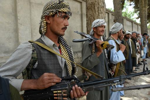 Des membres de la milice antitalibans du commandant Pakhsaparan, à Kunduz au nord de l'Afghanistan, le 23 mai 2015 © Shah Marai AFP