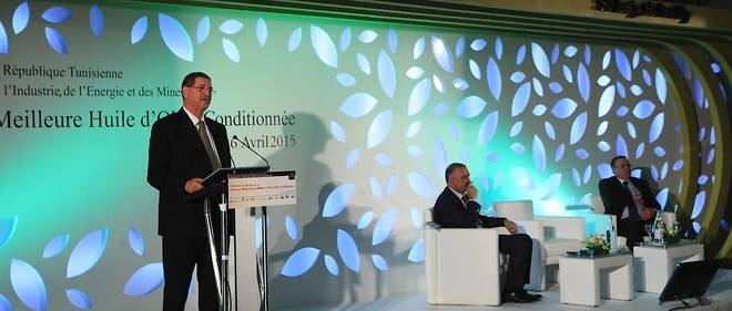 Le Premier ministre tunisien Habib Essid à Tunis le 16 avril 2015.