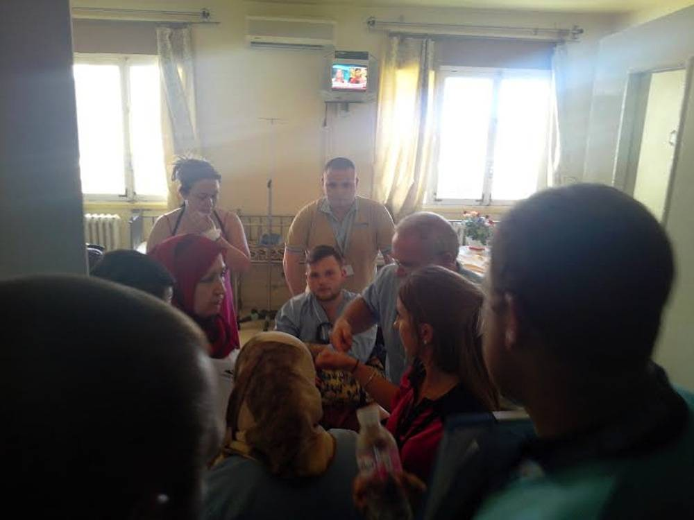 Un touriste anglais assailli dans sa chambre par les médias anglais ©  Zied Mahjoub