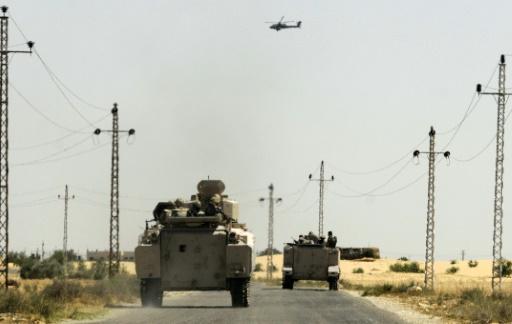 Des militaires égyptiens dans la désert du Sinaï, le 21 mai 2013 © Str AFP/Archives