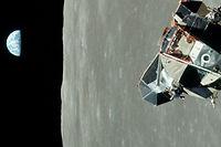 Vue de la Terre depuis la Lune, durant une mission Apollo.