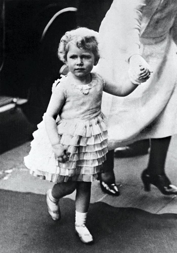 ELIZABETH II-CHILDHOOD