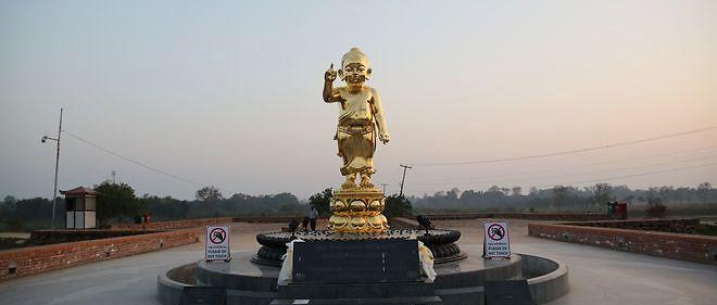 Bouddha ne fut ni tout-puissant ni prophète, et il est aujourd'hui célébré comme un dieu.