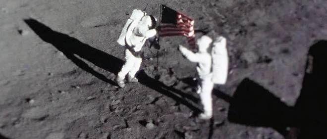La campagne a été lancée lundi, jour anniversaire du premier pas posé  sur la Lune par Neil Armstrong en 1969 lors du succès de la mission  Apollo 11.
